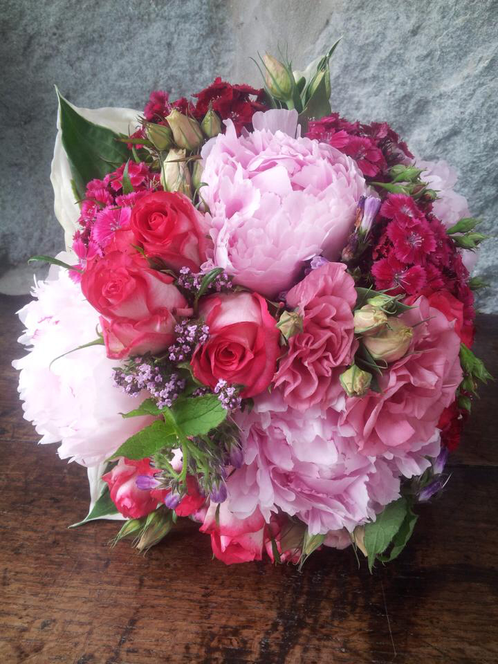 Wedding Flowers by Catrin Clark