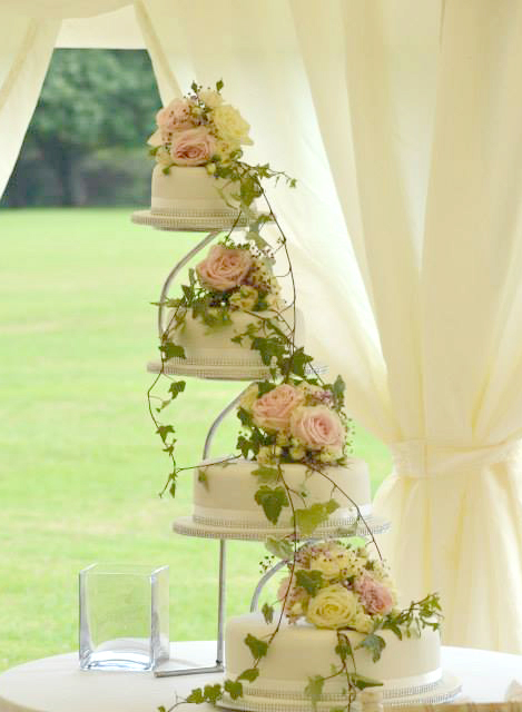 Rose wedding arrangement